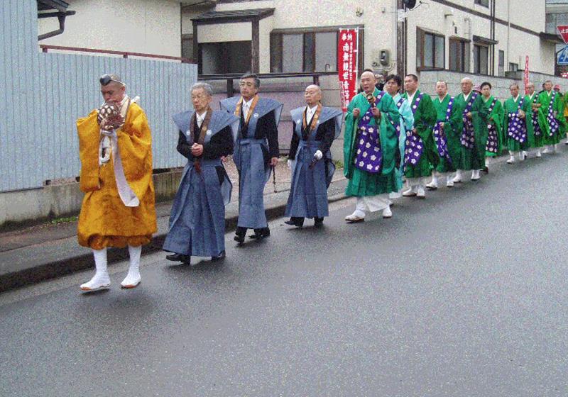 奉賛会代表・僧侶の行列